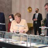 Merkel i Vučić posetili izložbu o vezama Srbije i Nemačke u 19. veku 1