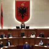 Albanska skupština izglasala vladu, od 17 članova 12 su žene 2