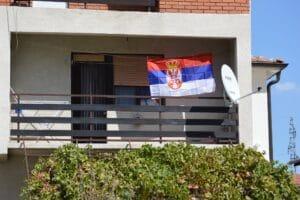 Bor: Zastave Srbije na borskim ulicama, institucijama, zgradama, kućama 2