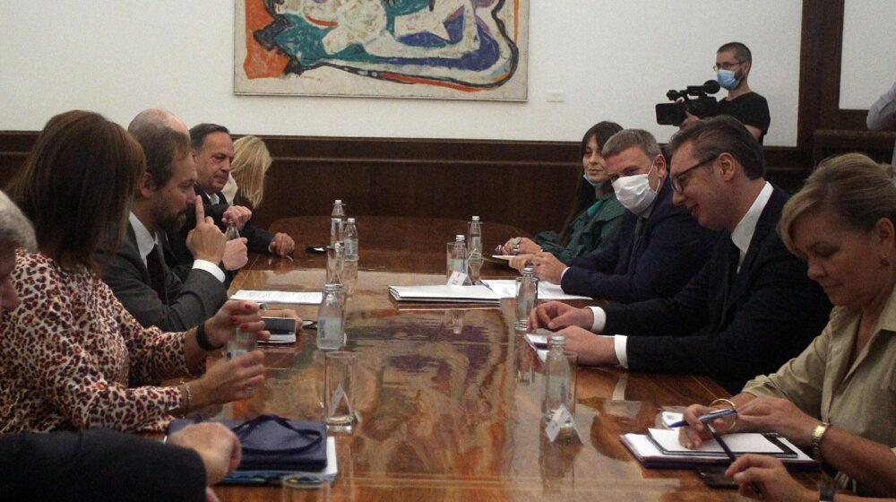 Vučić primio evroparlamentarce: Uveren sam da će predizborni proces biti u skladu sa najvišim demokratskim standardima 1