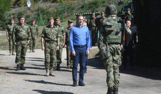 Stefanović: Naš narod niko neće ugrožavati, niti će nam neko govoriti gde ćemo u centralnoj Srbiji da koristimo svoje snage 11