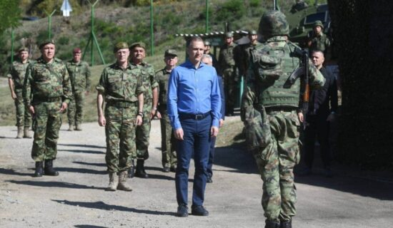 Stefanović: Naš narod niko neće ugrožavati, niti govoriti gde ćemo u centralnoj Srbiji da koristimo svoje snage 11