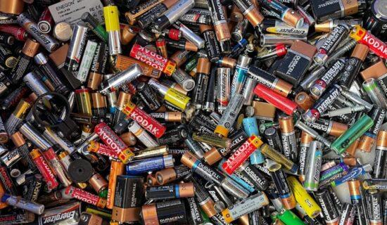 NALED: Recikliranje baterija bi u Srbiji moglo da košta duplo manje nego u svetu 13