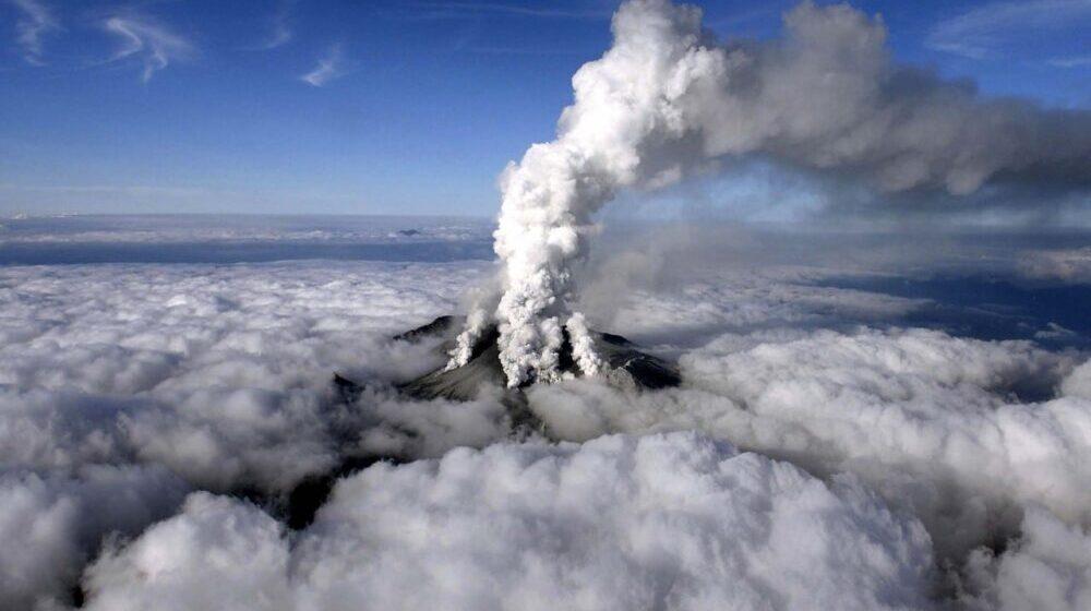 Erupcija vulkana u Japanu, nema podataka o povređenima 1