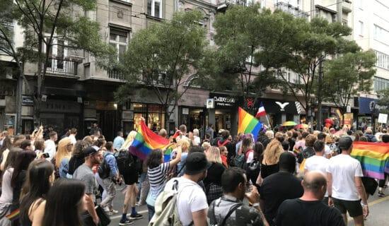 """""""Parada ponosa"""" se kreće prema Skupštini, Bekvalac: I ja sam deo LGBT zajednice 12"""