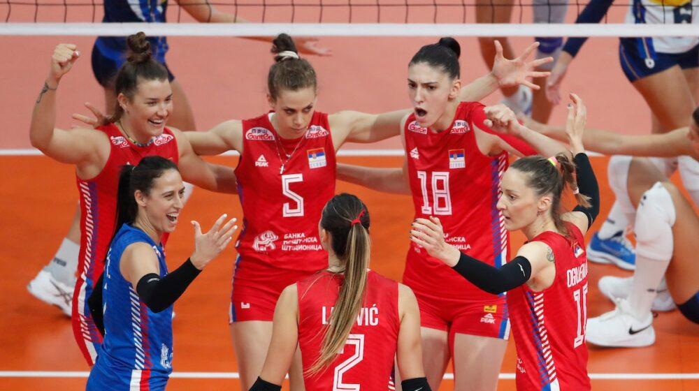 Pobedom nad Srbijom u finalu od 3:1 odbojkšice Italije osvojile Evropsko prvenstvo 1