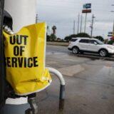 U Sloveniji sipanje goriva bez kovid propusnice moguće ako ostajete kraće od 12 sati u zemlji 9