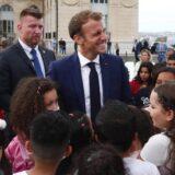 Francuski predsednik prvog dana školske godine odao poštu ubijenom nastavniku 9