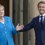 Makron primio Angelu Merkel u oproštajnu posetu Francuskoj 3