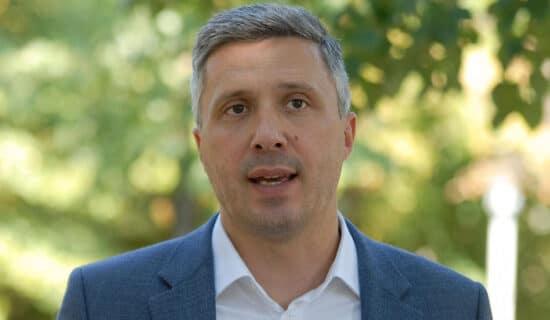 Obradović: Predstavnici Dveri neće potpisati sporazum o unapređenju izbornih uslova ukoliko ne budu ispunjeni njihovi zahtevi 13