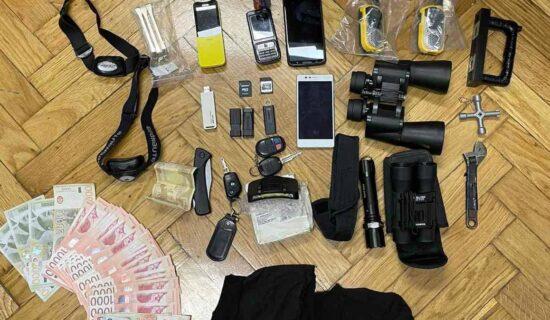 MUP: Uhapšena dvojica osumnjičenih zbog krađe 13