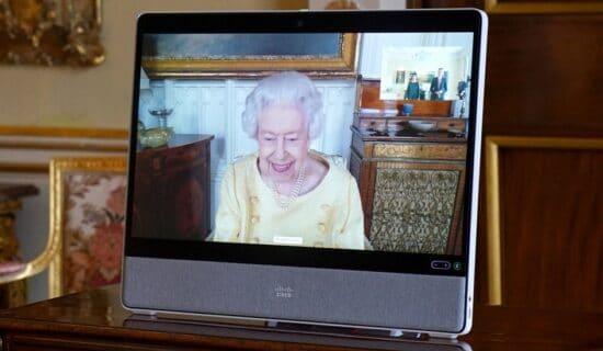 Kraljevska porodica i Britanija: Kraljica Elizabeta se sastala sa ambasadorima posle izlaska iz bolnice 12