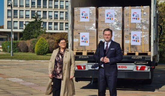 Selaković ispratio donaciju Rumuniji za lečenje obolelih od kovida 13