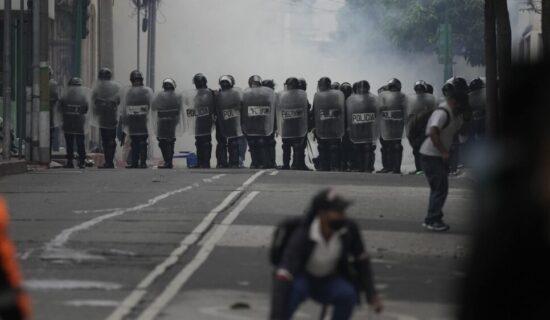 Gvatemala uvela policijski čas u severnoj provinciji posle protesta zbog rudnika 14