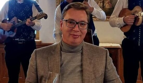 Rolka predsednika Vučića - predizborni pokušaj ublažavanja stroge pojave 13
